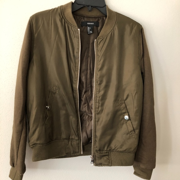 ec1f28079 Forever 21 Army Green Bomber Jacket